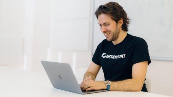 Markus - nasz współzałożyciel i CTO podczas pracy